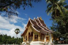 Laos Buddhist Temple in Luang Prabang. Read more: http://www.imperatortravel.com/2012/11/pleading-for-laos-episode-2.html