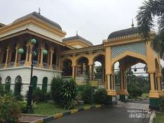 Istana Maimun dan Tjong A Fei Mansion di Medan.