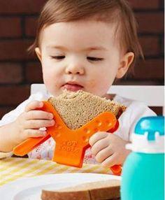 Este soporte sirve para agarrar los sándwiches sin que se desarmen y sin ensuciarse tanto! Par..