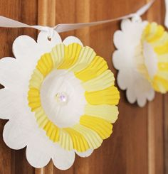 daffodil banner square - cupcake liner
