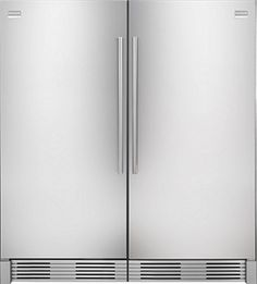 Seriously want a kitchen built for this size fridge/freezer!!
