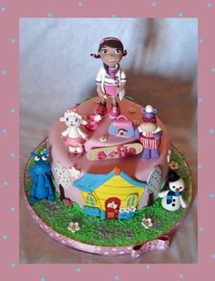 Torta dottoressa Peluche, doc mcstuffins cake