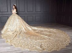 Puffy Dresses, Quince Dresses, Ball Gown Dresses, Wedding Dress Clothes, Wedding Dresses 2014, Bridal Dresses, Gorgeous Wedding Dress, Beautiful Gowns, Royal Ball Gowns