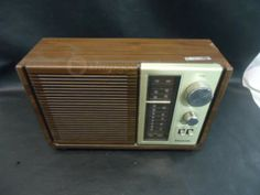 Vintage Panasonic RE--6280 AM/FM Radio