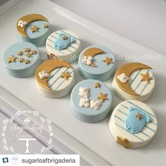 "293 Likes, 12 Comments - Sugar Loaf Brigaderia (@sugarloafbrigaderia) on Instagram: ""TBT: Twinkle Twinkle Little Star baby shower Oreos! #miamisweets #miamicustomsweets…"""