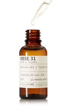 Instructions for use: Lightly dip the pipette into the bottle to collect a small amount of oil Apply to pulse points or décolletage for a subtle all-day scent Store in fridge for maximum shelf life 30ml/ 1fl.oz Ingredients: carthamus tinctorius (safflower) seed oil, ethylhexyl stearate, Parfum/Fragrance, limonene, alpha-isomethyl ionone, cinnamal, citral, citronellol, eugenol, farnesol, geraniol, isoeugenol, linalool.