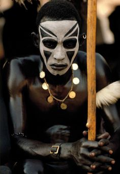 Nuba of Sudan // photo by Leni Riefenstahl Religions Du Monde, Cultures Du Monde, World Cultures, Leni Riefenstahl, African Tribes, African Art, Afro Punk, We Are The World, People Around The World