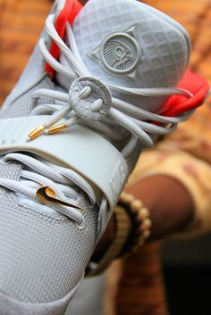 2014 cheap nike shoes for sale info collection off big discount.New nike roshe run,lebron james shoes,authentic jordans and nike foamposites 2014 online. Air Max 90, Nike Air Max, On Shoes, Me Too Shoes, Nike Kicks, Sneaker Games, Nike Free Runs, Nike Shoes Outlet, Sneaker Boots