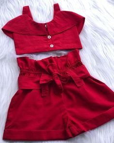 Morrendo de amor por esse todo vermelho 😍 Cute Casual Outfits, Cute Outfits For Kids, Toddler Outfits, Baby Girl Fashion, Kids Fashion, Kids Dress Patterns, Baby Boutique Clothing, Skirts For Kids, Dresses Kids Girl