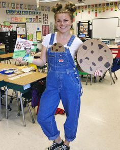 58 Teacher Halloween Costumes Ideas That You Must KnowYou can find Teacher costumes and more on our Teacher Halloween Costumes Ideas That You Must Know Children's Book Characters Costumes, Easy Book Character Costumes, Character Day Ideas, Book Characters Dress Up, Character Halloween Costumes, Character Dress Up, Storybook Characters, Easy Book Week Costumes, Story Book Costumes