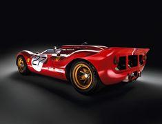 La Ferrari 350 P4 / Can-Am Spider est une évolution Evolution du modèle 330 P4 en une barquette de course. Le V12 subit un réalésage et sa cylindrée qui passe de 3967cc à 4175cc. Elle dispose comme la P4 d'une Pompe à injection Lucas. Puissance maximum...