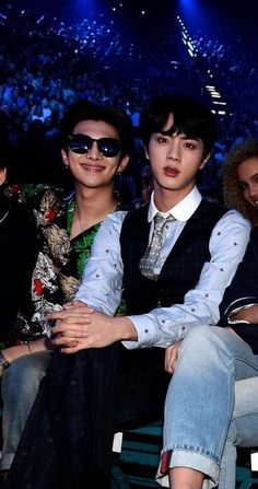 they look like such a rich powercouple. my parents. my dads. Jungkook Jeon, Vlive Bts, Kim Namjoon, Kim Taehyung, Namjin, Yoonmin, Seokjin, Jung Hoseok, Jin Kim