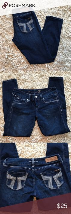 """Seven7 Leggings Seven7 dark wash denim legging. Size 28 with 29"""" inseam. In EUC. Stretch with Embroidering on back pockets, upper back and front of jeans with jeweled button. No flaws or signs of wear. Seven7 Pants Leggings"""