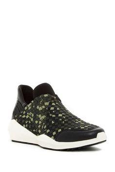 Quartz Slip-On Mid Top Sneaker