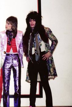 Great photo of Jerry Nolan and Johnny Thunders from the New York Dolls.