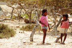 Las niñas del desierto de Manaure