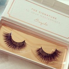 The perfect voluminous lashes - ESQIDO mink lashes in Voila Lash. <3