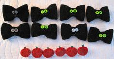 Doggie collar bows for Halloween! http://resweater.blogspot.com/2013/09/its-what-ive-been-working-on-wednesday_25.html