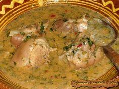 Se mânca din el în ziua de bobotează când, conform unei vechi tradiţii, se prepara, odată în an, această mâncare denumită bulmaci cu ciolan. Romanian Food, Romanian Recipes, Recipe Collector, No Cook Meals, Delish, Good Food, Cooking Recipes, Chicken, Supe