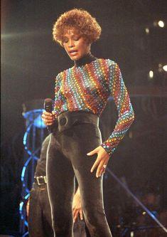 Made To Order Carpet Runners #CarpetRunnersForMoving Info: 1142438819 #CarpetsForKids Grunge Look, 90s Grunge, Grunge Style, Grunge Outfits, Soft Grunge, 90s Style, Aria Montgomery, Whitney Houston 80s, Style Pastel