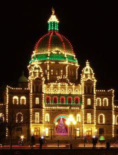 Victoria's Legislature lights up to celebrate Lights Across Canada. #VictoriaBC #Canada #Christmas #VictoriaHOHOHO | http://www.tourismvictoria.com/christmas/events/