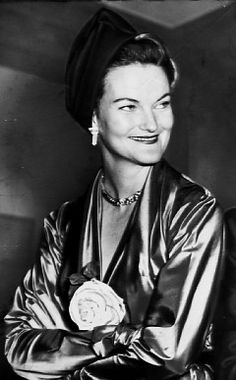"""Doris and Bernard         Controversy follows Doris Duke, new biopic    By Rush and Molloy  New York Daily News  September 10, 2007      Doris Duke    Fourteen years after her death, tobacco heiress Doris Duke is still igniting controversy.    Due to be unveiled shortly is director Bob Balaban's film """"Bernard and Doris,"""" st"""