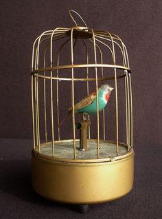 BOITE A MUSIQUE AUTOMATE CAGE OISEAU TOLE ANTIQUE JAPAN TIN BIRD AUTOMATON