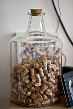 Saw one like this in a cottage once. And wanted one ever since! I have the cork collection, just waiting to find the bottle! Large Glass Jars, Wine Cork Crafts, In Vino Veritas, E Design, Decoration, Mason Jars, Diy And Crafts, Sweet Home, Home Decor