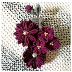 Kanzashi flower. Purple flowers brooch. Japanese por LittleTsumami