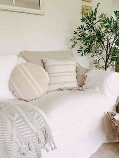 Summer Throw Blankets | Sarah Jane Interiors Cable Knit Throw, Cozy Couch, Throw Blankets, Throw Pillows, Stylish Bedroom, Knitted Throws, Cotton Lights, Cottage Style, Love Seat