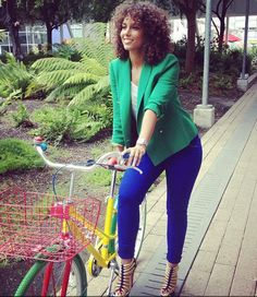 love the curls Alicia Keys