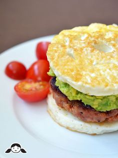 Looking for simple paleo diet recipes to make in the morning? Here are 10 easy paleo breakfast recipes that you can whip up with ease and won't leave you feeling hungry. Ketogenic Recipes, Paleo Recipes, Low Carb Recipes, Whole Food Recipes, Egg Recipes, Burger Recipes, Egg White Recipes, Paleo Meals, Cooking Recipes