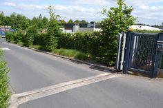 Je betreedt ons bedrijfsterrein elke dag via de grote poort, tegenover ons hoofdkantoor, in de Aalststraat 3 te Oudenaarde. Welkom!