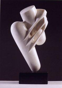 Sublimazione 1976, marmo statuario di Carrara e granito nero, Yoshin Ogata http://musapietrasanta.it/content.php?menu=artisti