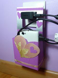 Boîte porte chargeur téléphone mobile rose argent girly : Etuis portables par recycl-art-by-nathr