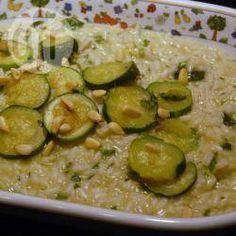 Zucchini Risotto mit Pesto und Pinienkernen @ de.allrecipes.com