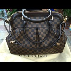 9a285e5cbdf7 Louis Vuitton handbag Louis Vuitton Trevi (the larger one) this bag it s  like new