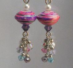 Hoi! Ik heb een geweldige listing gevonden op Etsy https://www.etsy.com/nl/listing/152792033/earrings-paper-bead-dangle-crystal-pink
