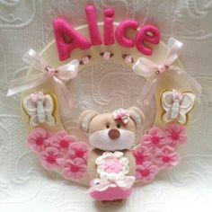 Placa Maternidade Baby Alice.  Ateliê Mimos da Tata.