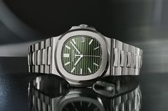 Patek Philippe - Nautilus 5711/1A-014 Olive Green | Time and Watches | The watch blog