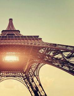 Paris. Golden Hour