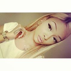 Human hair extension,wigs,hair weft,hair bulk,tape hair etc.WhatsApp:+8613826018390 ✉yali@poersh.com