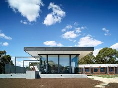 sustainable-house-with-three-wings-that-engage-the-landscape-6.jpg