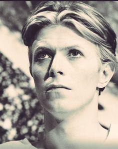 (16) ハッシュタグ #Bowie