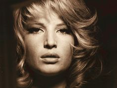 Monica Vitti Italian actress who starred in severa classics by Michelangelo Antonioni Michelangelo Antonioni, Catherine Deneuve, Cinema Video, Terence Stamp, Photo Star, Actor Studio, Italian Actress, French Actress, Italian Beauty