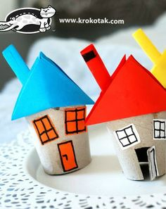 Let's make a house from toilet paper rolls Toilet Paper Roll Art, Rolled Paper Art, Home Crafts, Crafts For Kids, Arts And Crafts, Roll House, Project Ideas, Craft Projects, Christmas Crafts