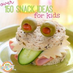 In my house, we love snacks. The problem is, we get bored of the string cheese and goldfish every day. Here are over 15 snack ideas for kids! Cute Snacks, Lunch Snacks, Cute Food, Healthy Snacks, Good Food, Yummy Food, Kid Snacks, Lunches, Party Snacks