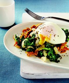 Curried Sweet Potato Waffles with Coconut-Braised Kale & Poached Eggs. Break out your waffle iron and try this deceptively simple meal for breakfast, brunch or an easy dinner. Kale Recipes, Gf Recipes, Brunch Recipes, Breakfast Recipes, Healthy Recipes, Breakfast Dishes, Healthy Foods, Recipies, Clean Eating Breakfast