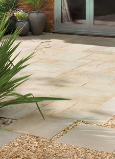 Natural Sandstone Paving Slabs | Bradstone