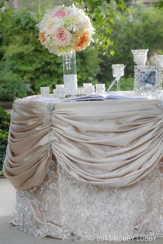 Beautiful wedding table ideas can be easy when you have great inspiration at your fingertips!